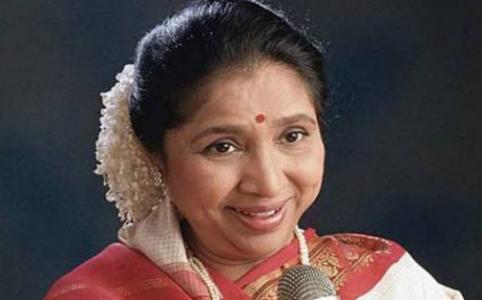 गायिका आशा भोसले यांना 'महाराष्ट्र भूषण' पुरस्कार जाहीर